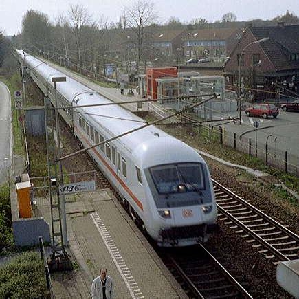[Foto:intercity-bahnhof-kamen-methler.jpg]